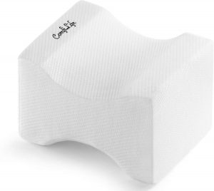 If you're unable to sleep at night because of sciatic pain, hip discomfort, or lower back pain, ComfiLife Orthopedic Knee Pillow may be the solution you are looking for. The ergonomic design makes it fit comfortably between your legs, promoting ideal spinal alignment.