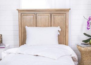 Continental Bedding Superior is one of the best pillows for neck pain for side sleepers and back sleepers. This is one of the fluffiest pillows on the market since it's made of 100% Hungarian White Goose down with a 700 fill power.